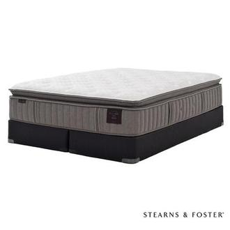 Oak Terrace IV King Mattress Set w/Low Foundation by Stearns & Foster