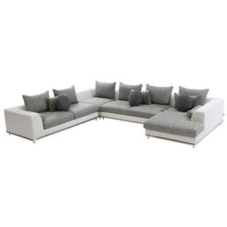 Hanna Sectional Sofa w/Right Chaise