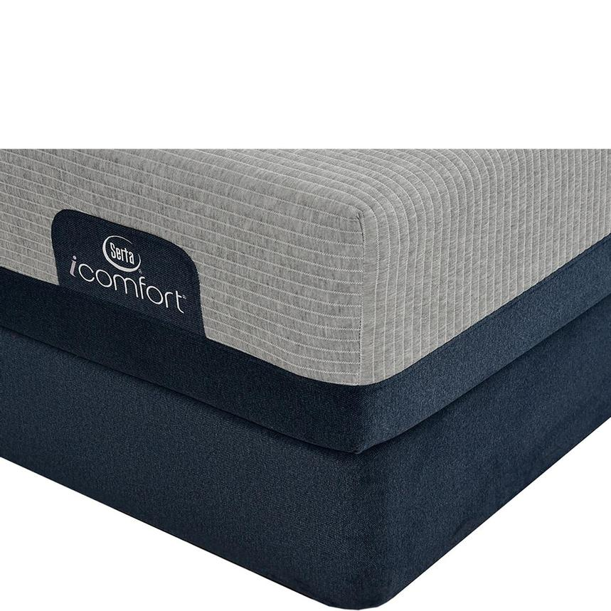 iComfort Blue Max 1000 Plush King Mattress w/Regular Foundation by Serta  main image, 1 of 4 images.