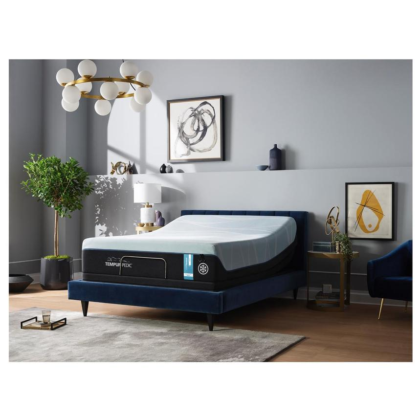 Luxe-Breeze Soft King Mattress w/Ergo® Extend Powered Base by Tempur-Pedic  alternate image, 2 of 7 images.